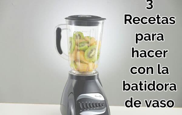 una-batidora-de-mano-con-fruta-y-verdura-dentro